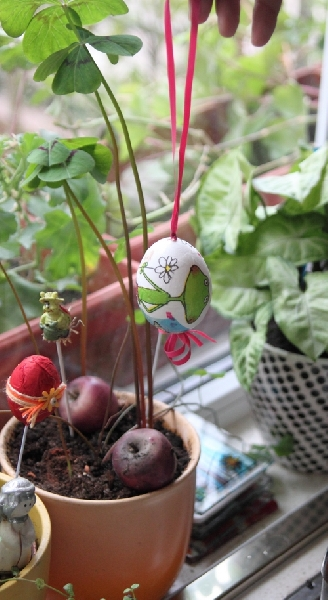 This Week in the Kitchen: Easter Decoration